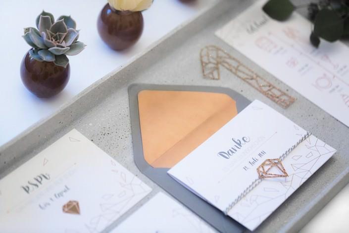 Hochzeitseinladung Kupfer rosé gold geometrisch