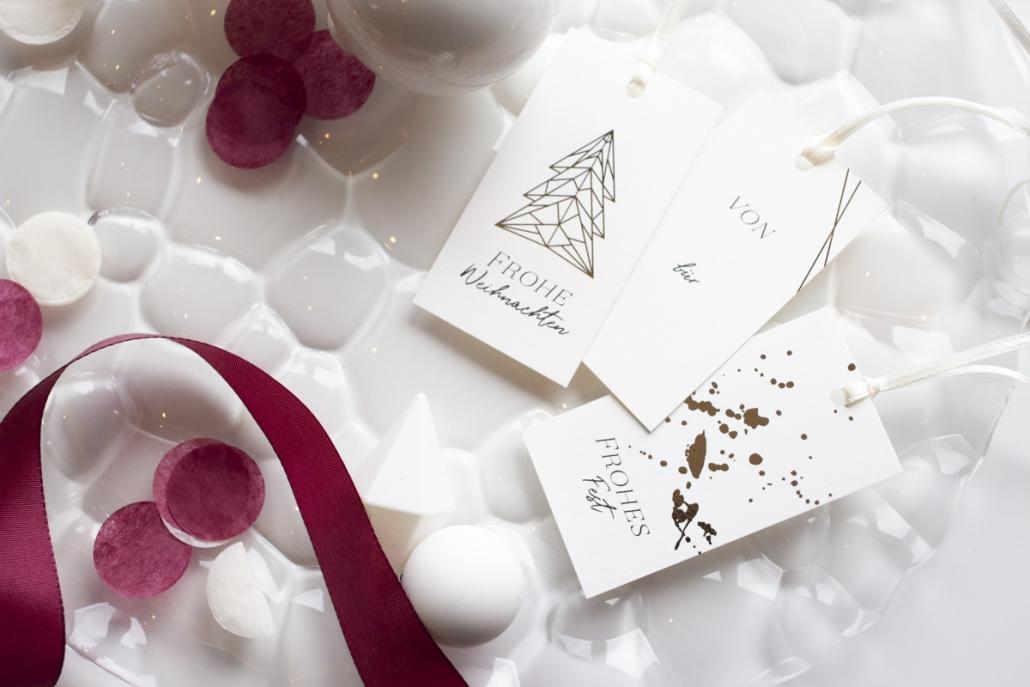 Gescgenkanhänger gold weihnachten