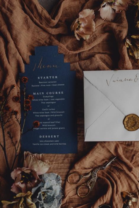 Feinstpapier mit Kalligrafie